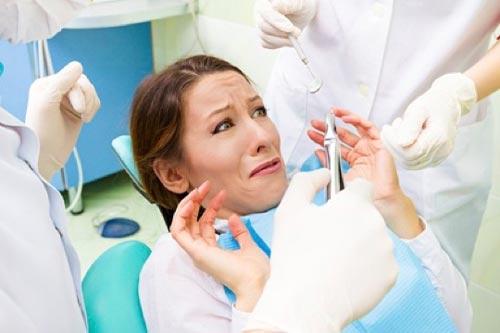 短期集中歯科治療、静脈内鎮静麻酔下での治療はどんな人が受けられるの?