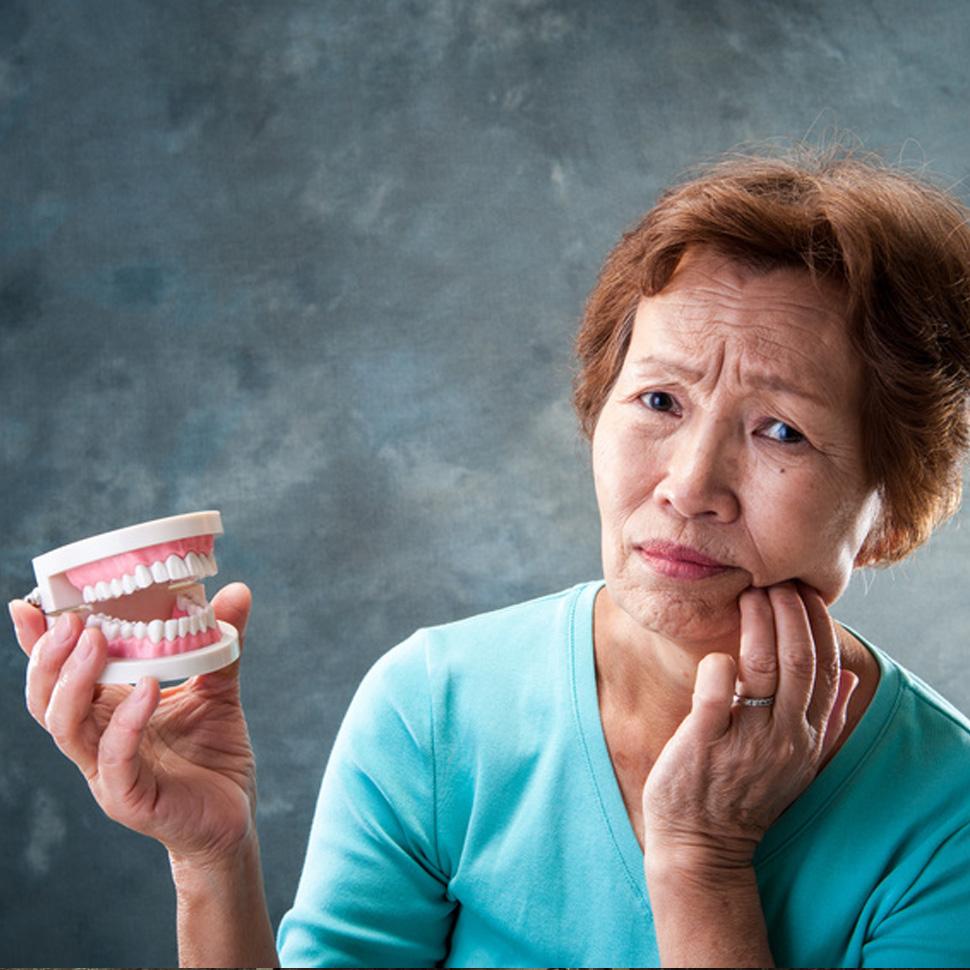 骨が少ない方、前歯等の難症例も対応可能