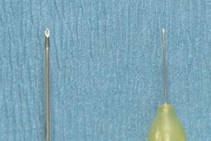 極力細い針の使用
